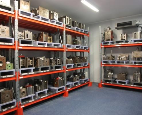 Dale tool storage 2